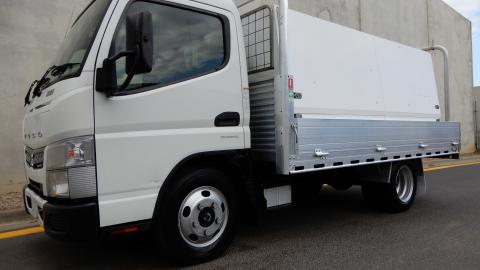 2018 Fuso Fm67 Truck Automatic Curtainsider JTFD JUST TRUCKS